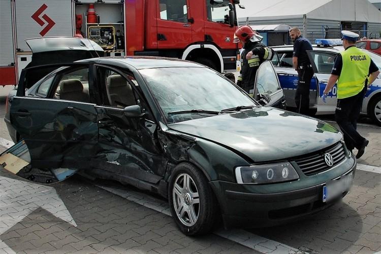 Pijany kierowca wjechał na czerwonym. Dwie osoby poszkodowane w wyniku wypadku