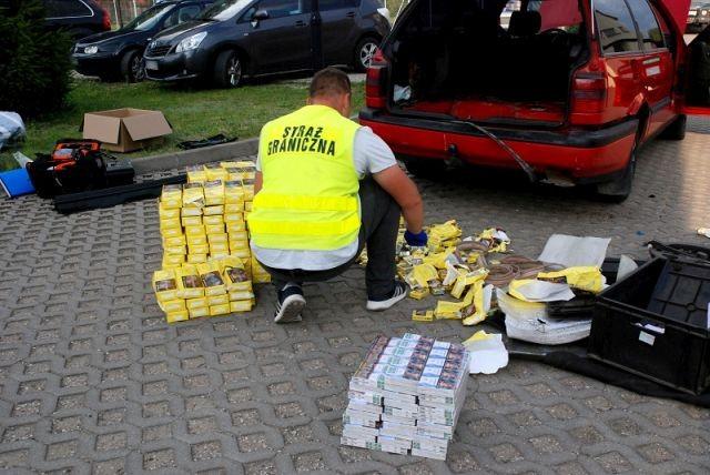 Rosjanin próbował przekupić funkcjonariuszy Straży Granicznej