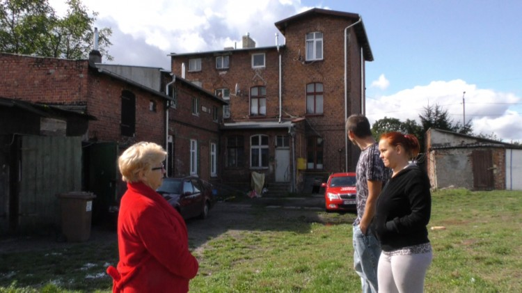 Średni wiek budynków komunalnych w Malborku to 100 lat. Mieszkańcy mają dosyć życia w takich warunkach.