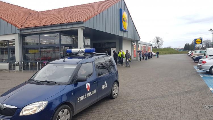 Straż Miejska włączyła się do akcji #zostanwdomu.