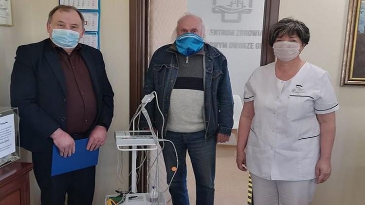 Szpital w Nowym Dworze Gdańskim otrzymał aparat EKG sfinansowany przez Radnych.