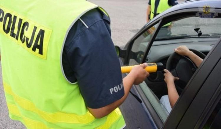 Kierowca fiata miał prawie 2 promile alkoholu.