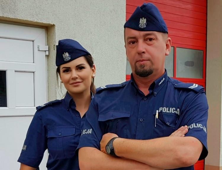 Policjanci z Nowego Stawu i Tczewa uratowali tonącego w Wiśle mężczyznę.