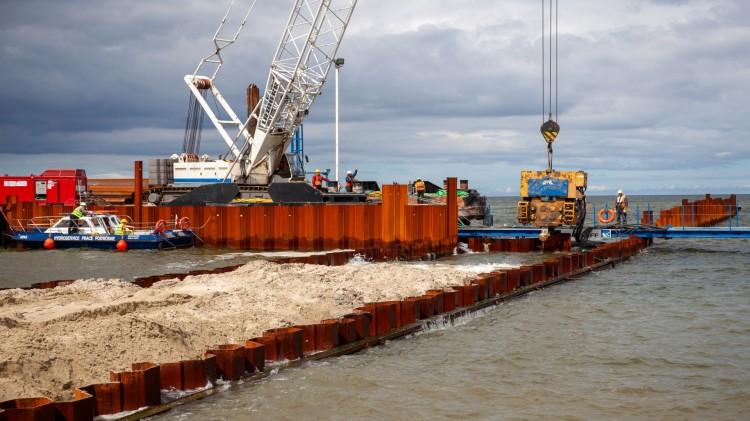 Budowa drogi wodnej łączącej Zalew Wiślany z Zatoką Gdańską. Aktualny stan terenu inwestycji - lipiec 2020 [zdjęcia, wideo]