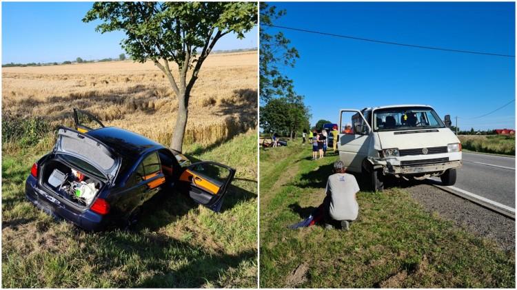 DK22. BMW w rowie po zderzeniu 4 pojazdów w Gnojewie.