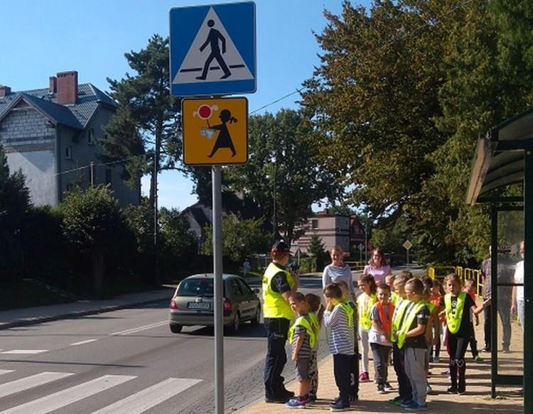 """Policyjna akcja """"Bezpieczna droga do szkoły""""."""