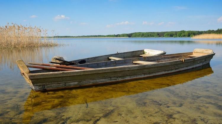 Łódka na wiślanej mieliźnie – raport sztumskich służb mundurowych.