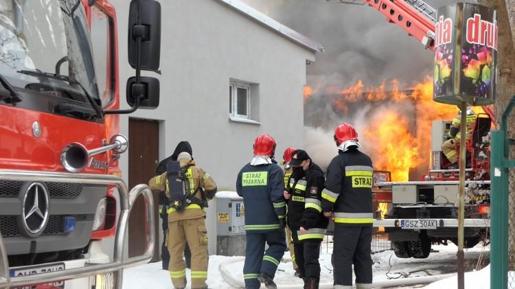 Malbork. Heroiczna walka strażaków z ognistym żywiołem na Prusa.