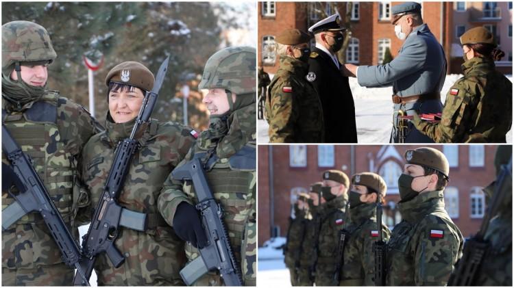 Malbork. Mimo pandemii i zimowej aury, terytorialsi złożyli przysięgę wojskową.