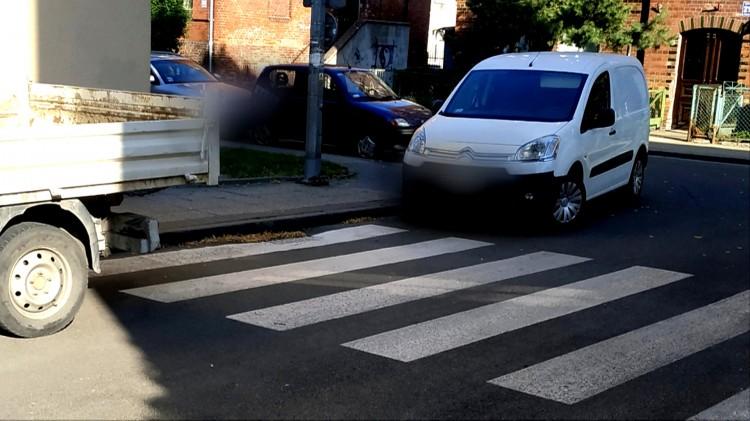 Mistrz (nie tylko) parkowania na Reymonta w Malborku.