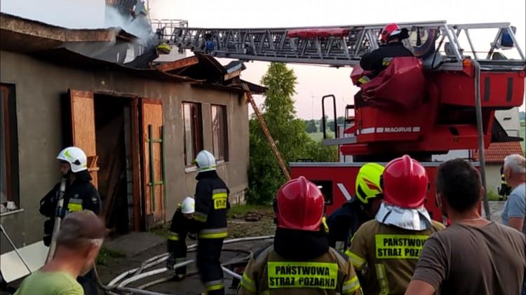 Pożar stolarni w miejscowości Nowiec – raport sztumskich służb mundurowych.
