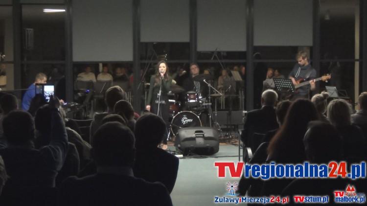 Malbork: Paulina Czapla zagrała charytatywny koncert dla 4- letniej Kasi – 17.10.2015