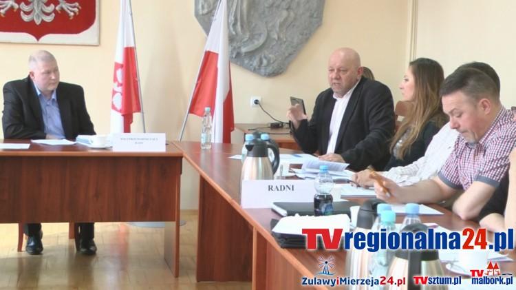 Leszek Sarnowski przedstawia informacje z działalności Regionalnego Towarzystwa Inwestycyjnego S.A. za 2015 rok i zamierzeń na rok 2016. XVII sesja Rady Miejskiej w Dzierzgoniu - 28.04.2016