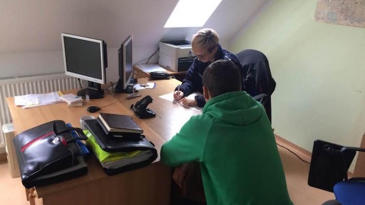 Dzierzgoń. 22-latek zatrzymany za kradzież kamery oraz posiadanie narkotyków…