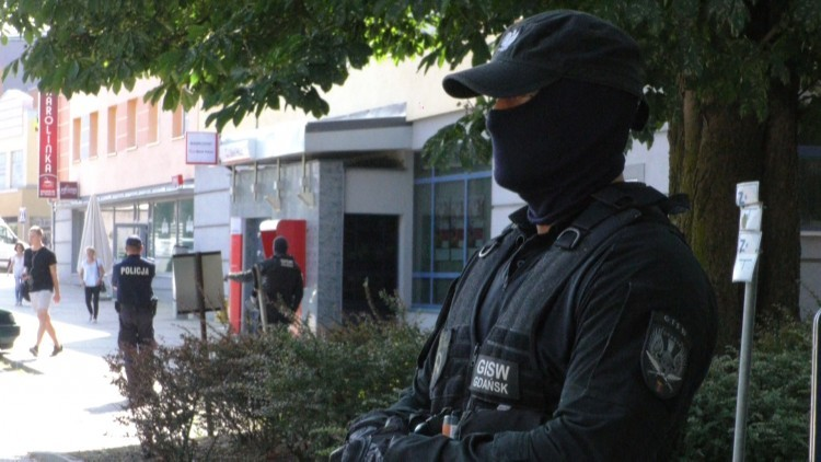 Podejrzany pakunek przy murach i pożar w Zakładzie Karnym w Malborku.…