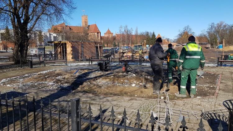 Zburzyli zamek w Malborku.