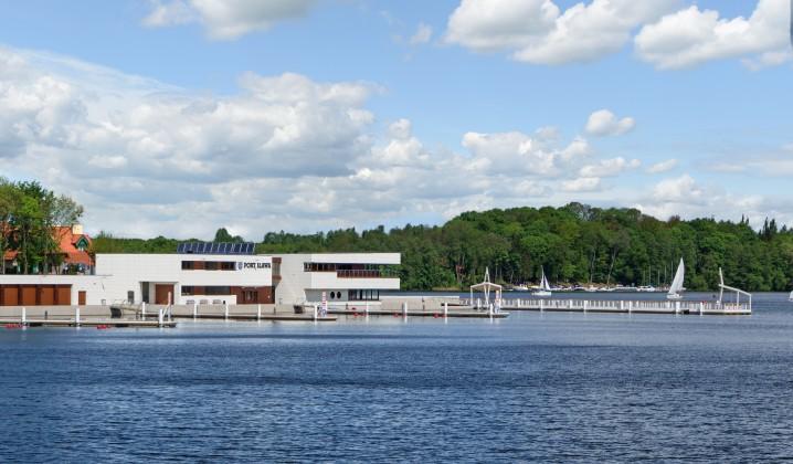 Iławskie Przedsiębiorstwo Budowlane wybudowało również Port Śródlądowy w Iławie nad Jeziorem Jeziorak – największy port śródlądowy w regionie Warmii i Mazur