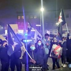 """Malbork. """"Dni Hańby"""" - Protest przeciwko zaostrzeniu prawa do aborcji.…"""